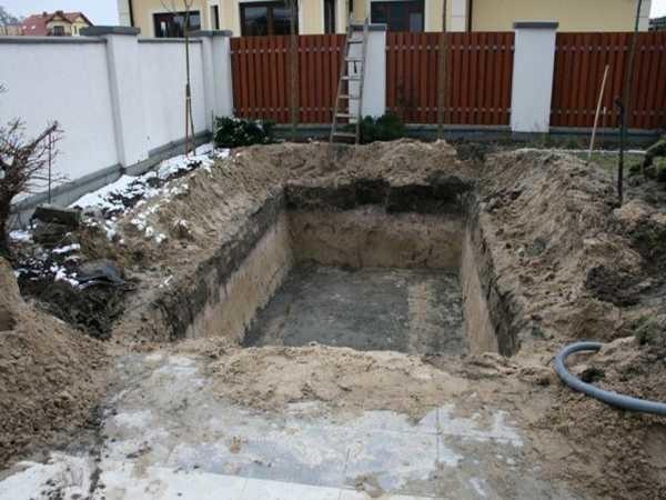 Как выкопать бассейн самим