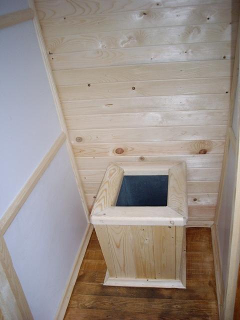 Деревянные туалеты для дачи своими руками видео