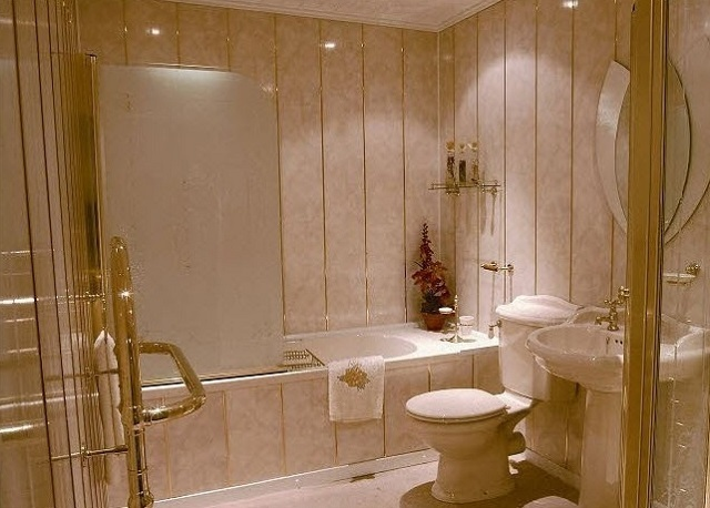 Отделка ванных комнат своими руками панелями пвх