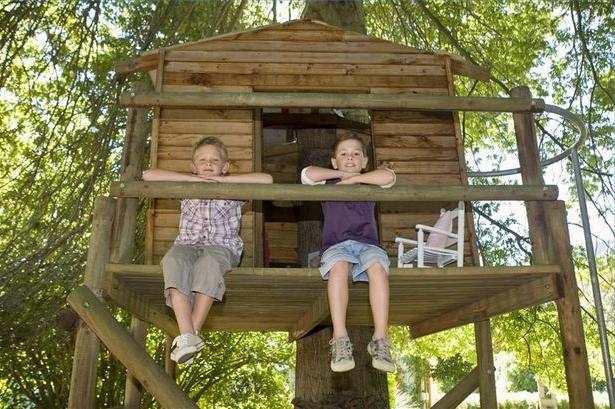 Как построить домик на дереве своими руками детям