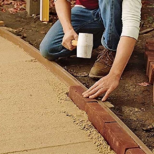 Укладка дорожек тротуарной плиткой своими руками