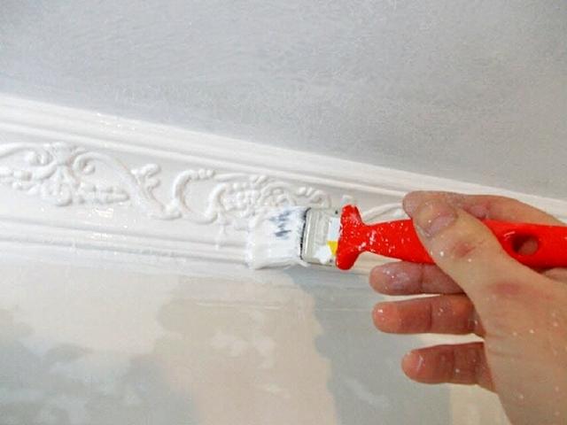 Окраска пенопластовых плинтусов