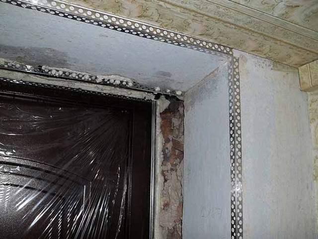 Как установить откосы на входную дверь видео