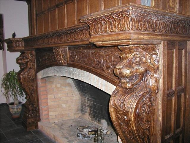 Каминный портал из дерева