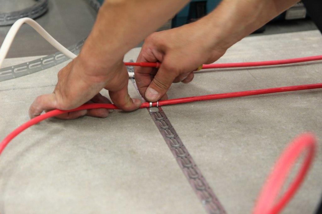 Стяжка для теплого электрического пола своими руками