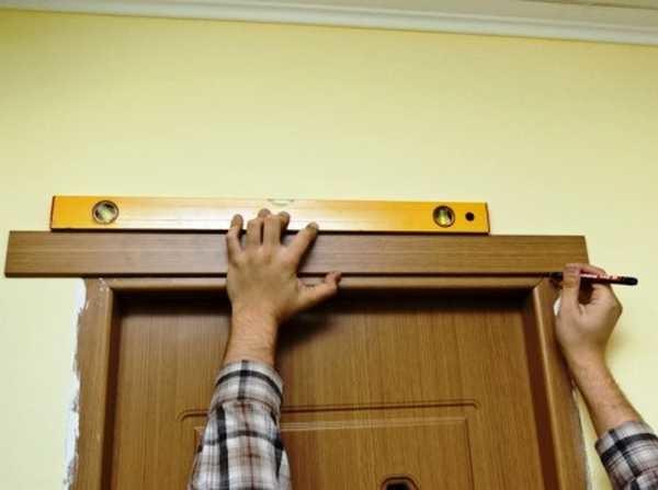 Установка наличников межкомнатных дверей своими руками