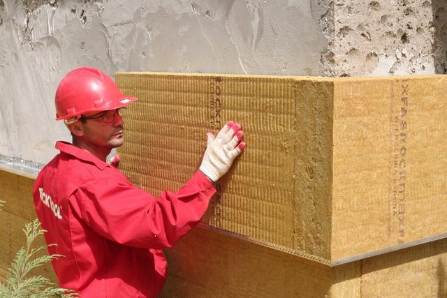 Плиты ROCKWOOL свободно пропускают водяные пары - стены остаются